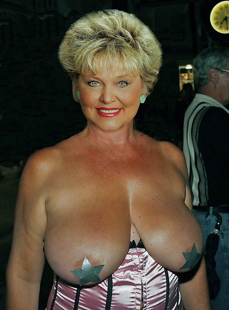 Black granny with hugr e tits nude